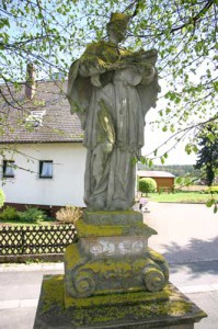 Nepomuk-Statue-Hallerndorf