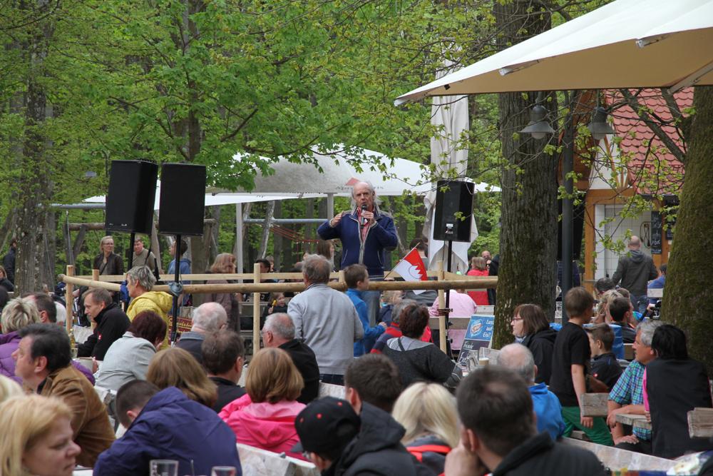 Kreuzbergfest mit Erzbischof und einem Kardinal