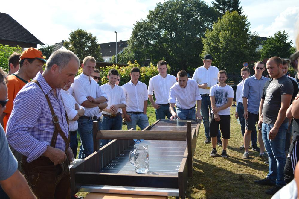 """Kerwa in Trailsdorf – 500 Euro Spende für """"Hilfe für Anja"""""""