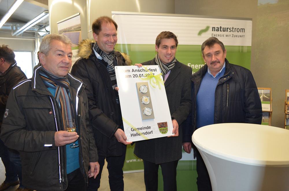 """Nahwärmeversorgung Hallerndorf – """"Anschürfest"""" am neuen Heizhaus"""