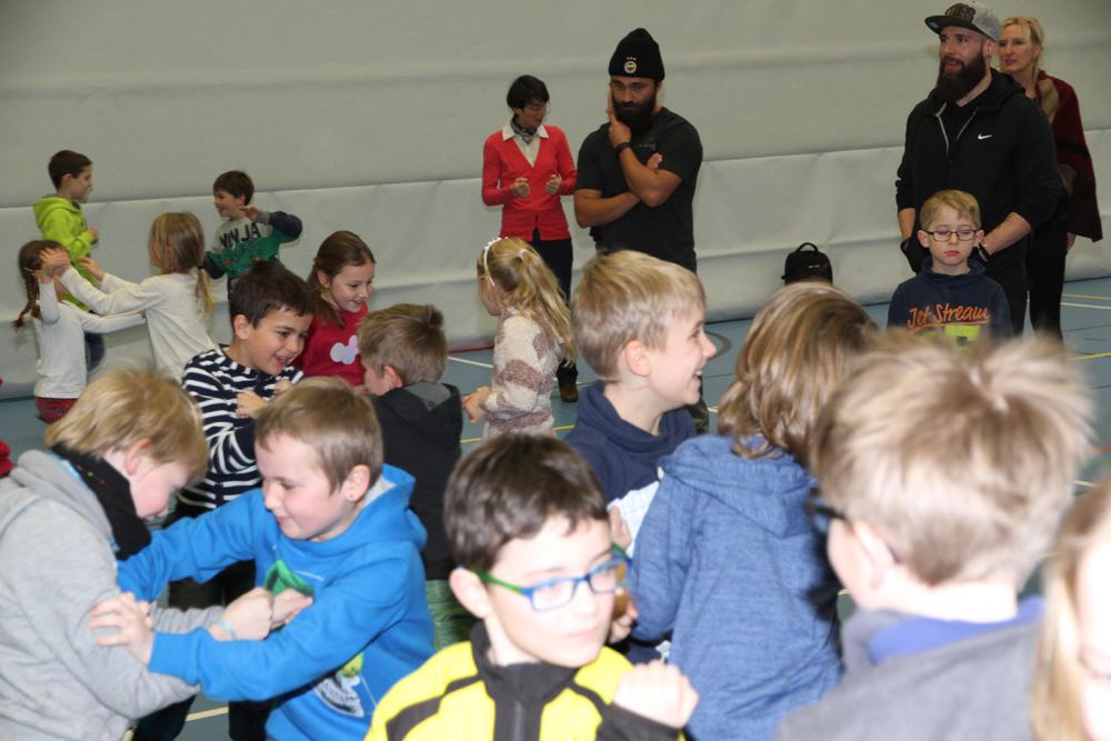 Zwei aktuelle Box-Weltmeister in Hallerndorfer Schule