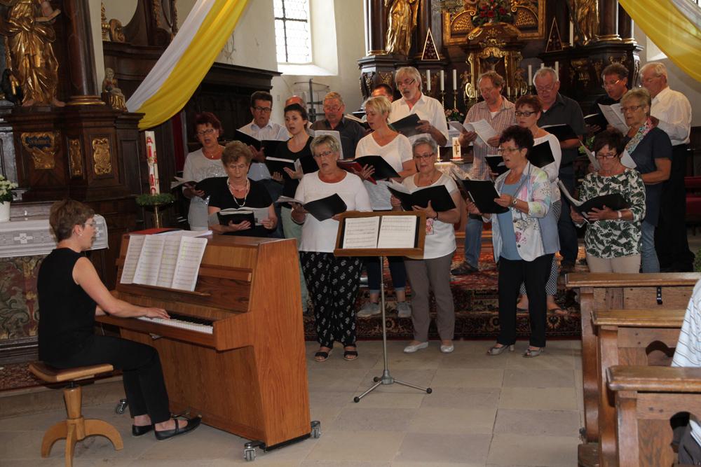Kirchenchor gab Kreuzbergkonzert