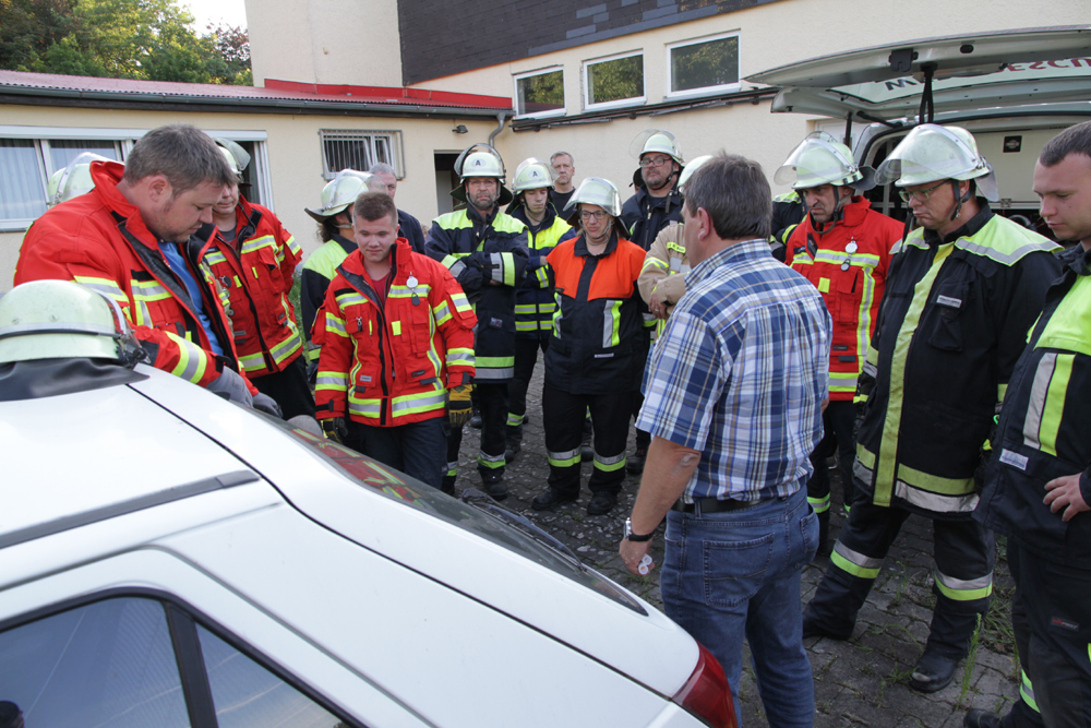 Feuerwehr absolviert besondere THL-Ausbildung
