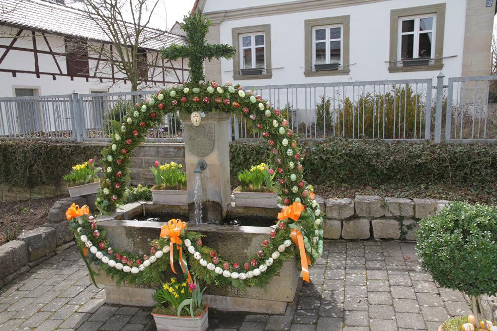 Osterbrunnen Hallerndorf (1)