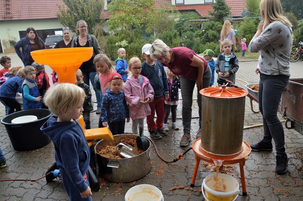 Kindergarten Trailsdorf bei Biolandwirt (1)