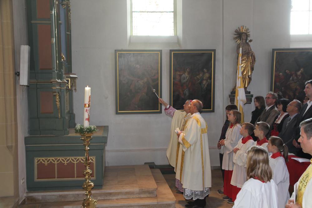 Erzbischof weiht rekonstruierte Seitenaltäre ein