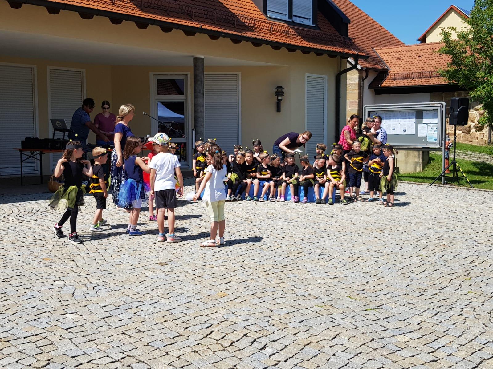 Sommerfest auf Rathausplatz