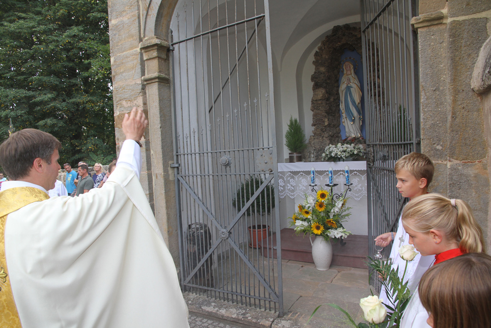 Einweihung Lourdes-Madonna Kreuzberg