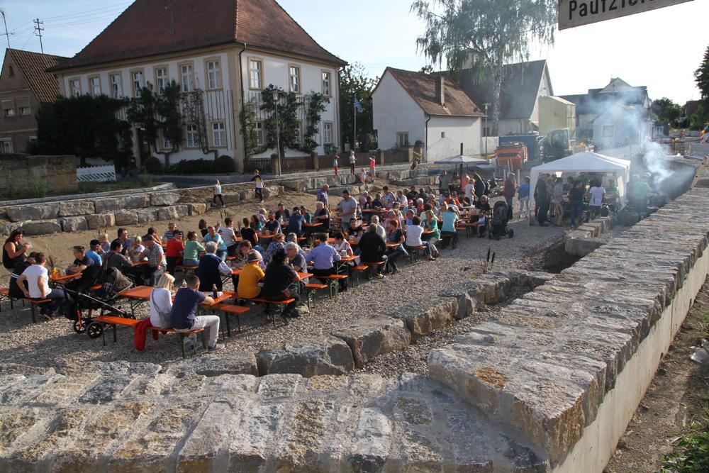 Historisches Fest im Dorfweiher