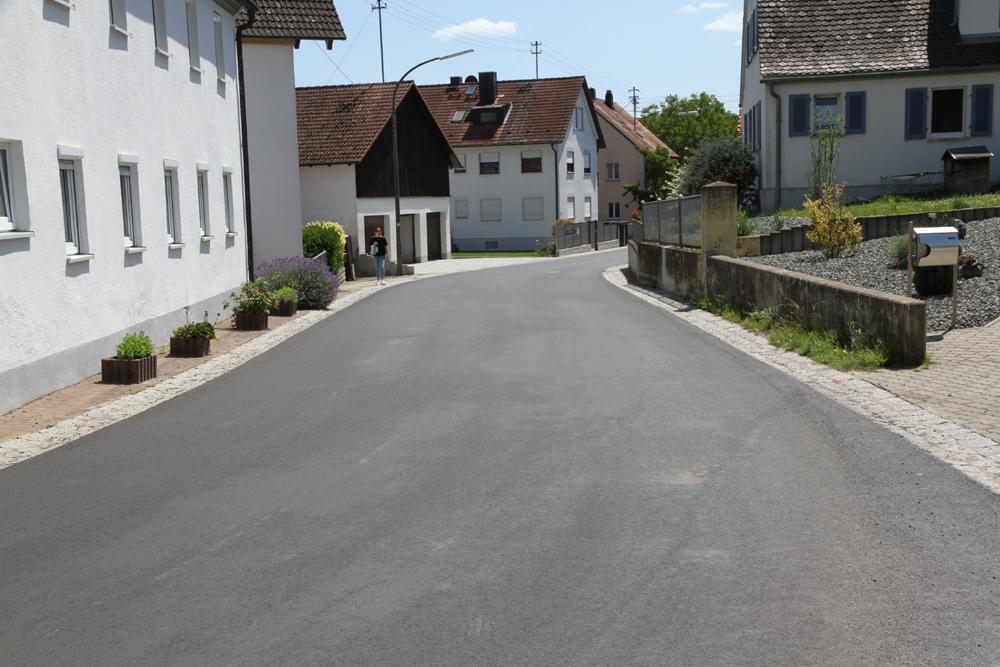 Straßenbauarbeiten abgeschlossen