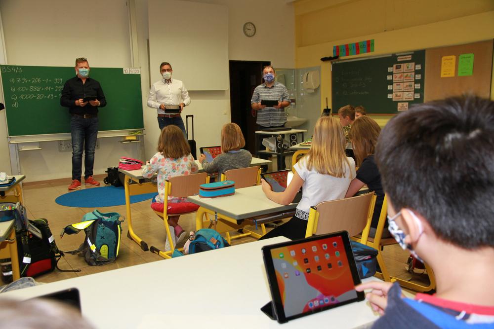 IT-Ausstattung Schule Hallerndorf