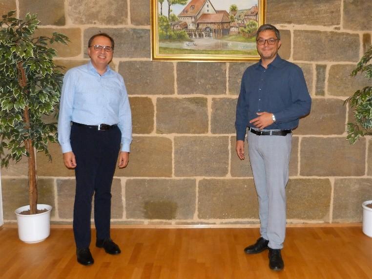 Der neue Ortssprecher Waldemar Weiß und der 1. Bürgermeister Gerhard Bauer